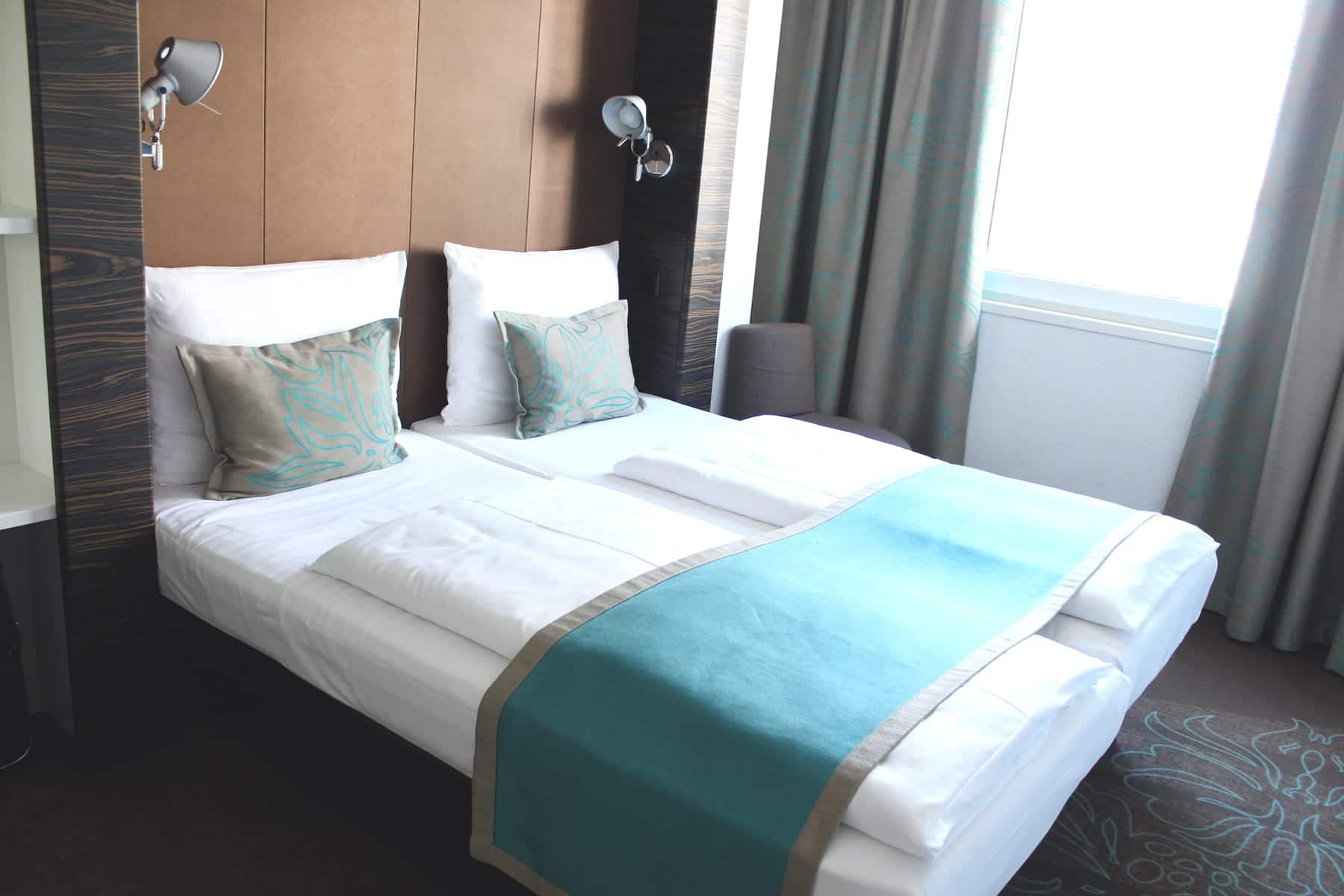 Bett Motel One Berlin Mitte