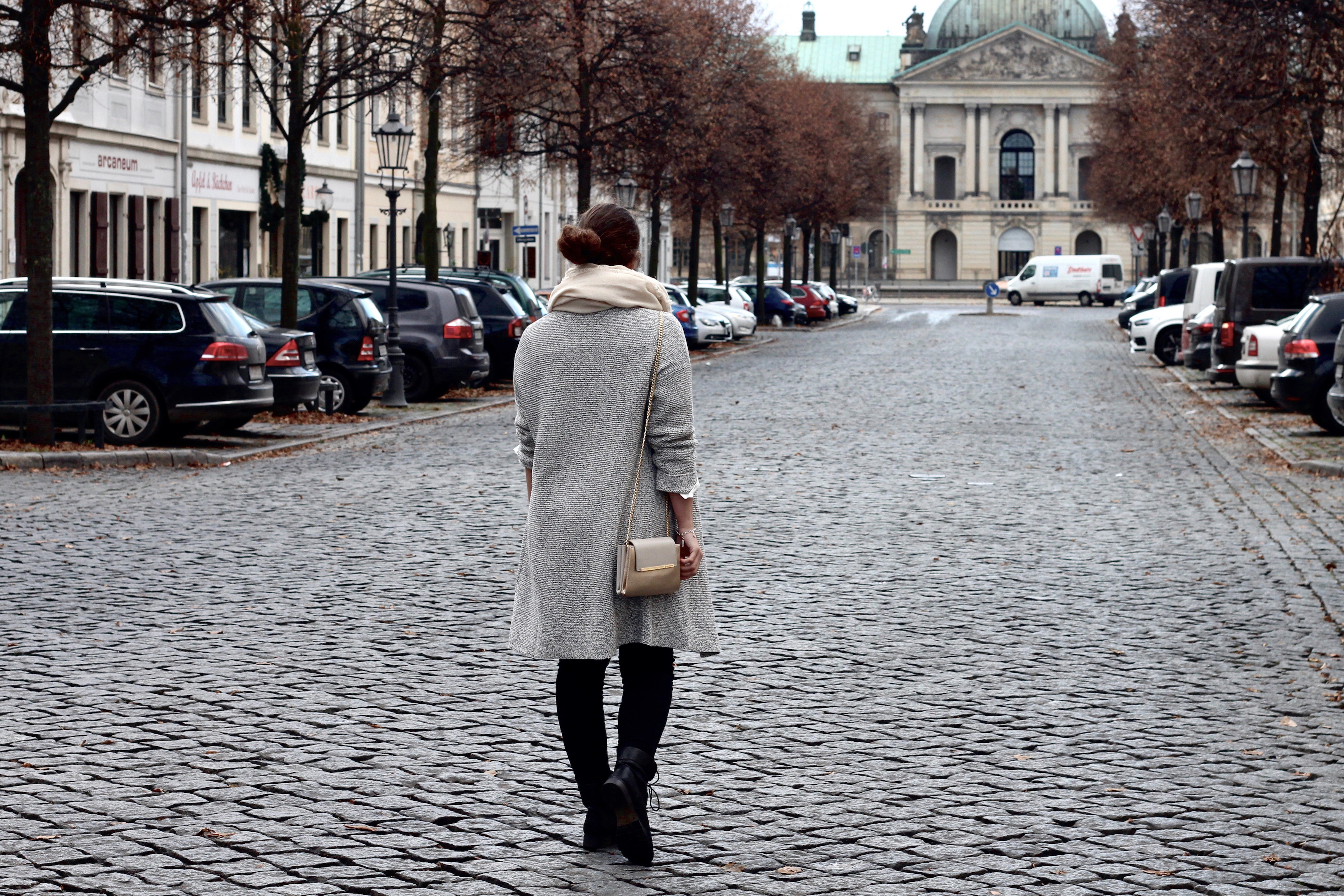 Outfit mit Oversized Cardigan