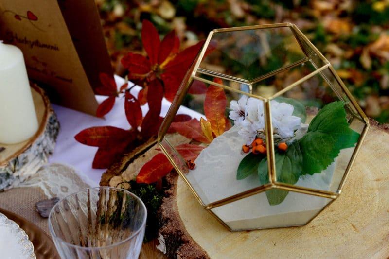 Herbstlich dekoriertes Terrarium