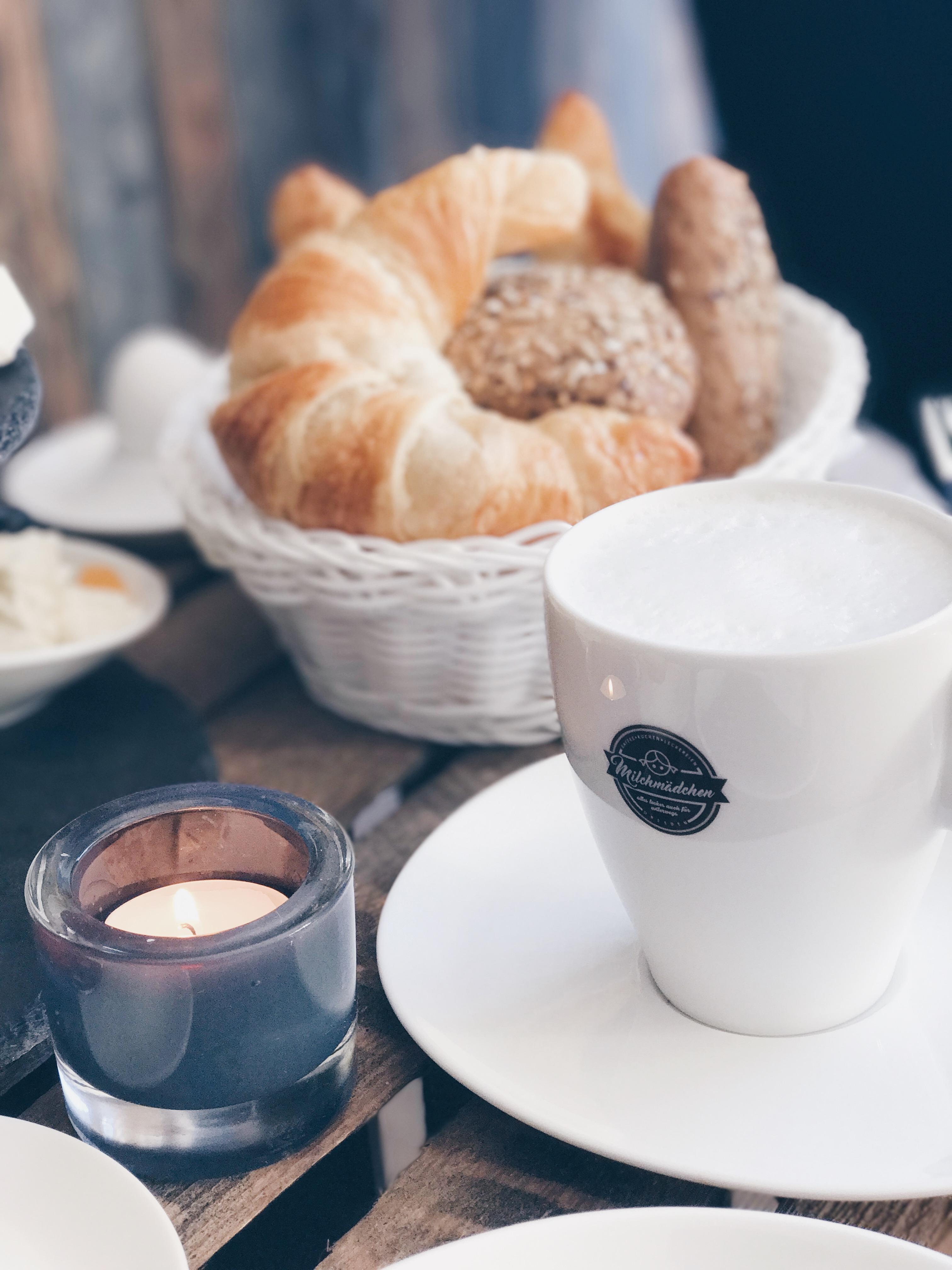 Heiße Schokolade im Café Milchmädchen